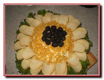 Украшение салатов, или как можно украсить салат.
