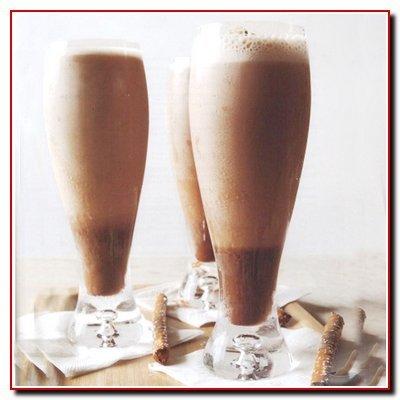 Необходимые составные для приготовления кофейного коктейля.